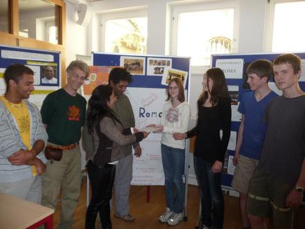 Eine Roma-Abordnung aus Ungarn besuchte Innsbrucker Schüler.Foto: Reisigl (Foto: REDAKTION)